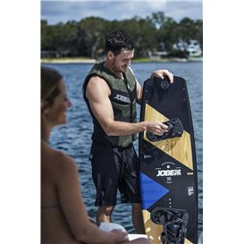 Jobe Maddox Wakeboard 142 & Nitro Bindung Schwarz Set hier im Jobe-Shop günstig online bestellen